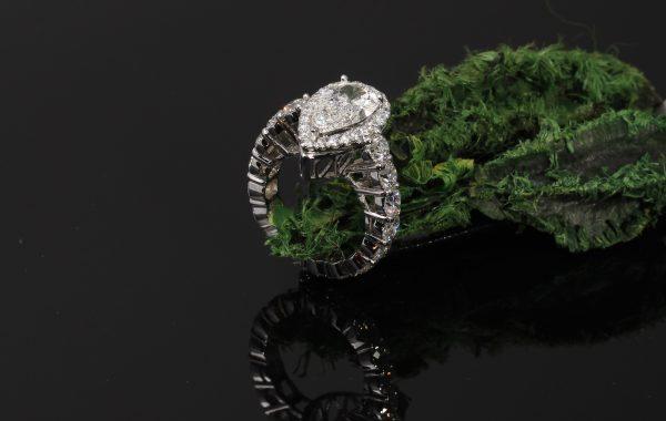 Custom Pear Shape Engagement Ring