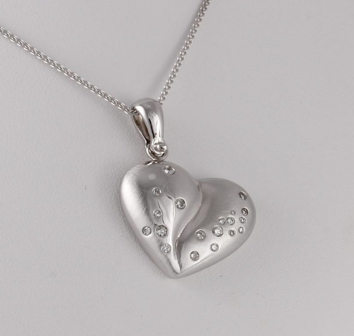 Kaz Heart Pendant With Diamonds
