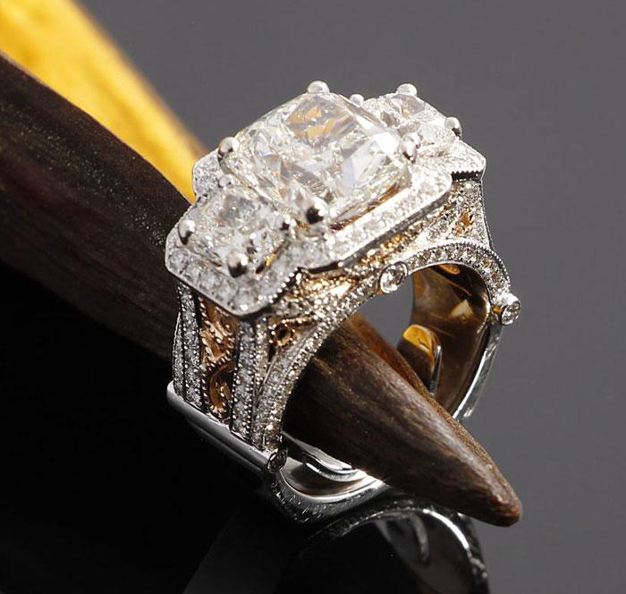 Custom Diamond Engagement Ring