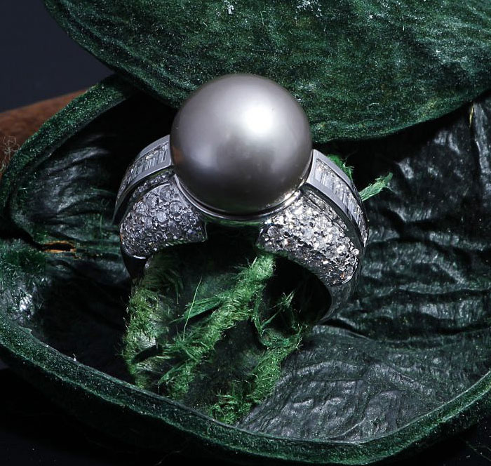 Black Tahitian & Diamond Pearl Ring