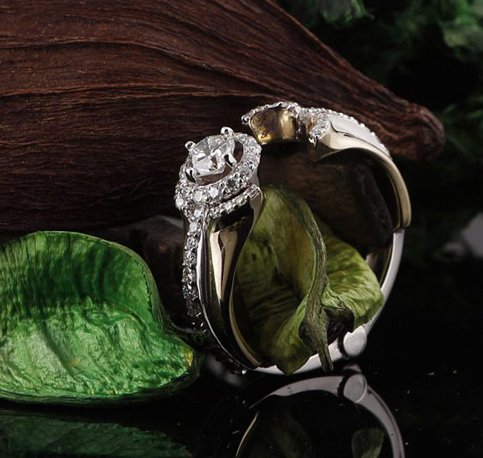 Custom Diamond Engagement Ring With Hinge Design